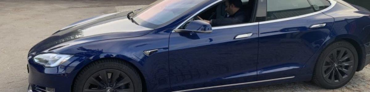 """Elon Musk terá incentivado funcionários a testar o modo """"Full Self-Driving"""" da Tesla"""