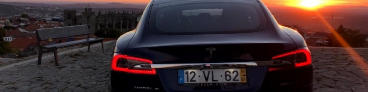 Tesla bate a gigante Mercedes-Benz na venda de carros